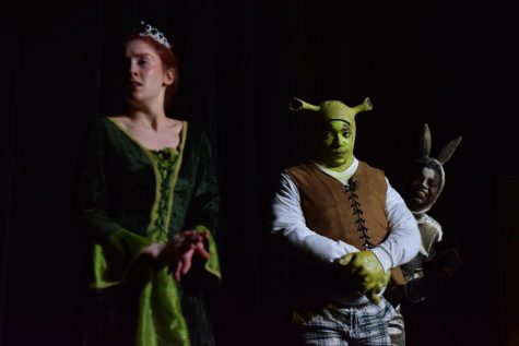 "The cast of Shrek puts on ""Shrek Unplugged"" for middle school"
