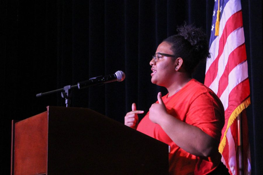 Sheanique Syms speaks during student council elections.