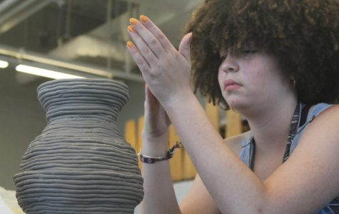 Art department stops accepting students due to overwhelming classroom sizes